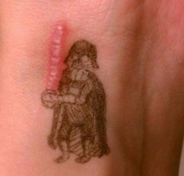 Tatuagens feitas para esconder cicatrizes #16